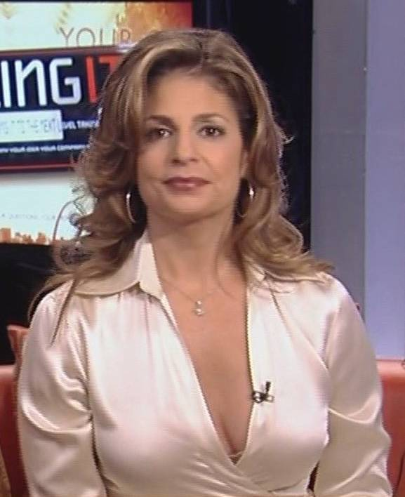 Tracy Byrnes cleavage